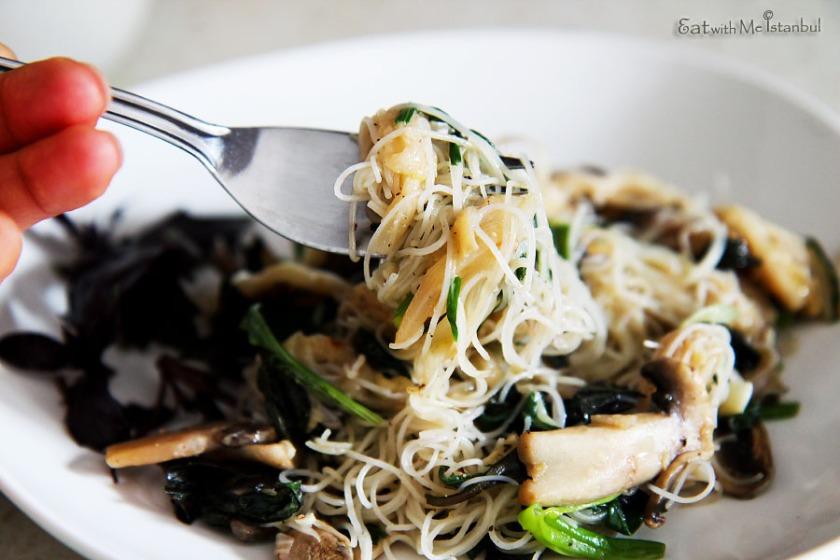 asparagus noodles (1)