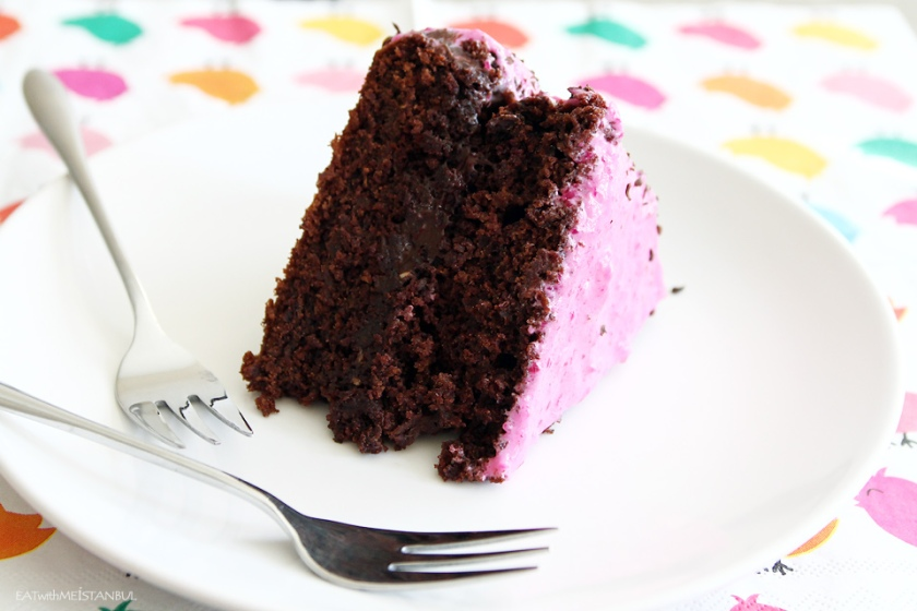 choc-beet-pom-cake-1