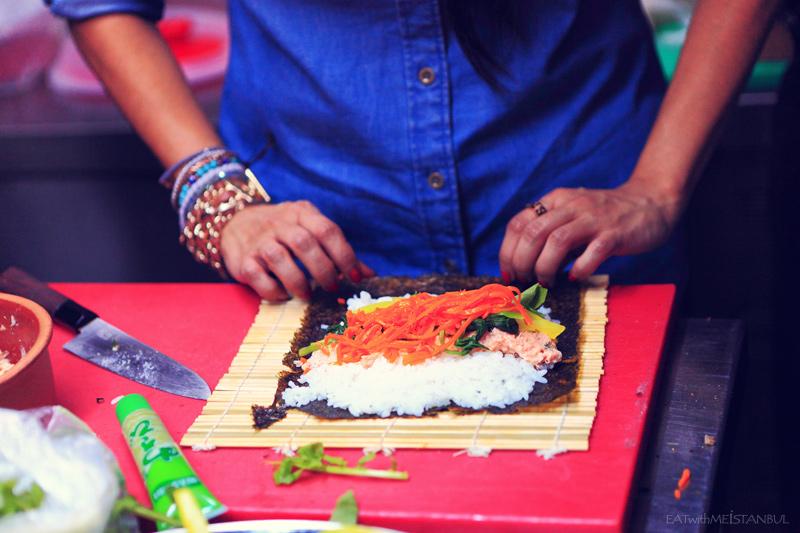 making kimbap