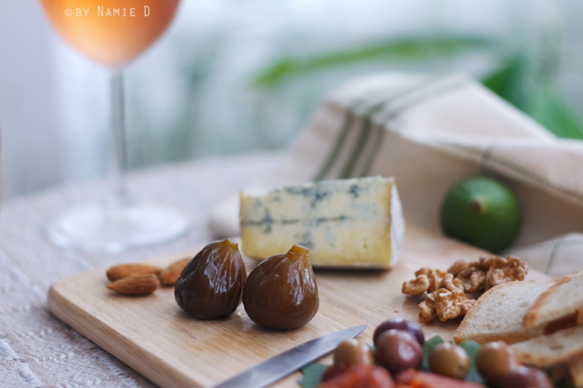 fig jam cheese platter